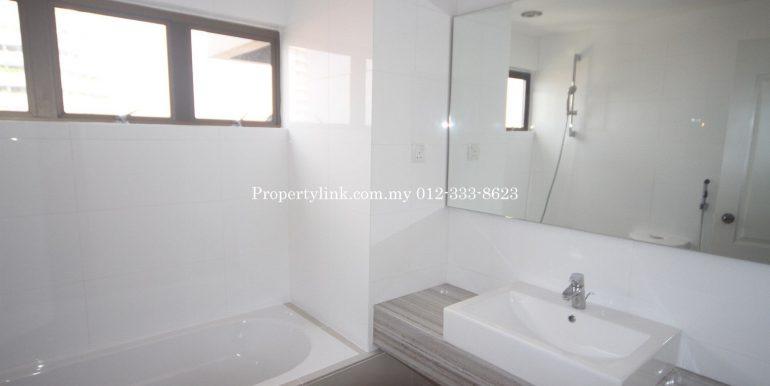 MK 4B Master Bathroom