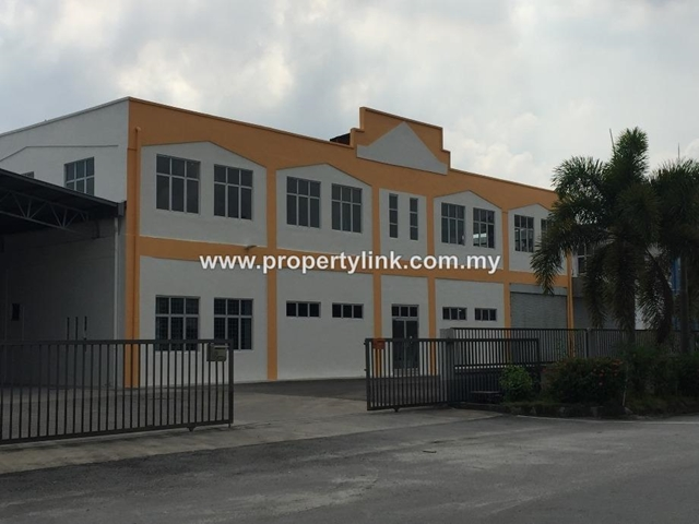 Factory in Kapar, with extended Warehouse, For Sale – RM5 Million 出售